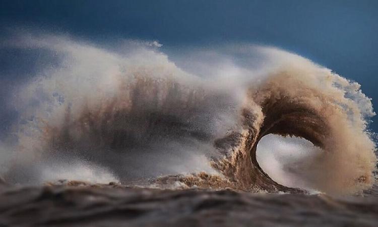 صور مذهلة لامواج بحيرة Erie .. بعدسة عاشق المياه !!