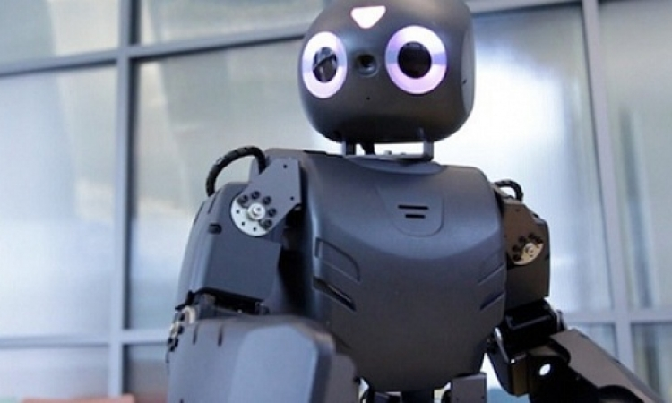 روبوت على شكل دافنشى فى معرض دولى باليابان