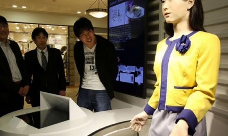 توشيبا تكشف عن روبوت جديد يتحدث ثلاث لغات