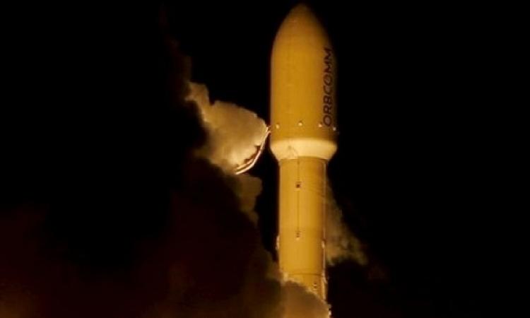 انطلاق وعودة ناجحة للصاروخ الفضائى فالكون 9