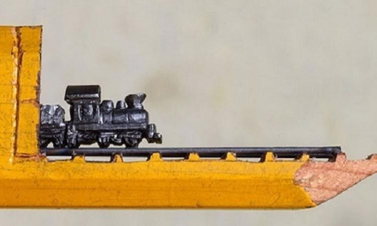 بالصور .. قطار يخرج من قلم رصاص .. وده بيتركب عادى ؟!