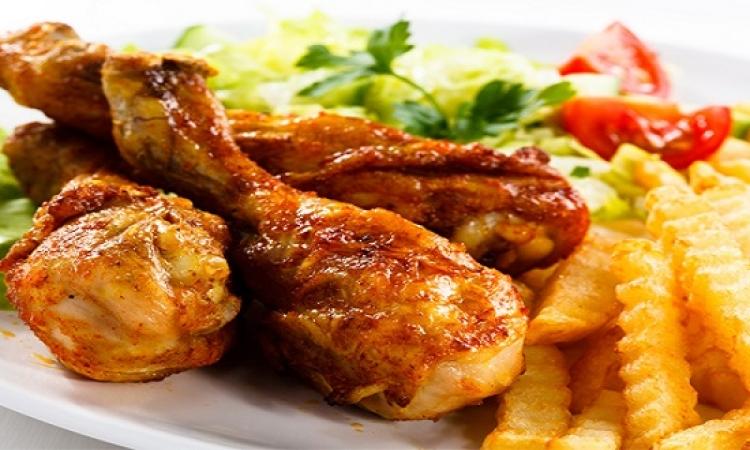 افخاد الدجاج المشوية لوجبة شهية على سفرة مميزة