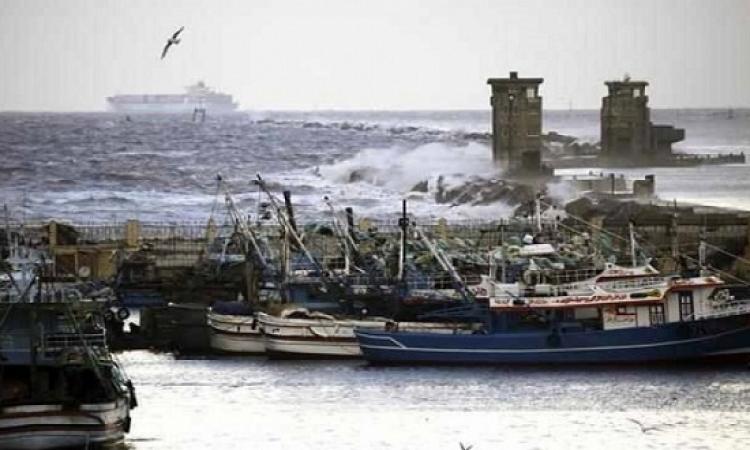 استمرار اغلاق بوغازى الاسكندرية والدخيلة أمام حركة الملاحة