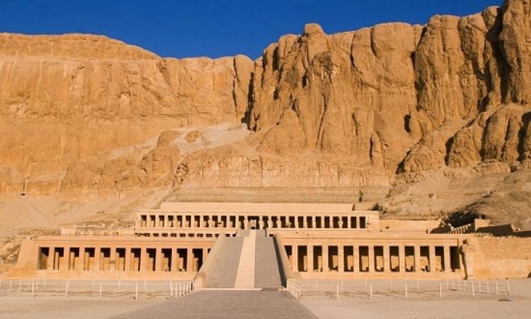 تعامد الشمس على مقصورة آمون بمعبد حتشبسوت