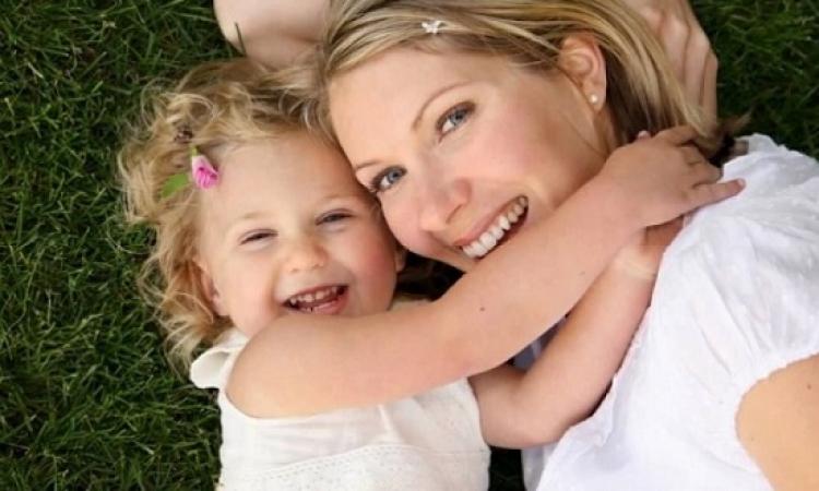 إليكى بعض النصائح لجعل طفلك سعيدا وواثقاً من نفسه