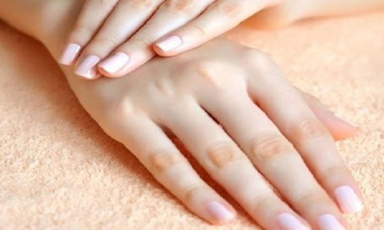 وصفات طبيعية لتبييض اليدين فى المنزل !!