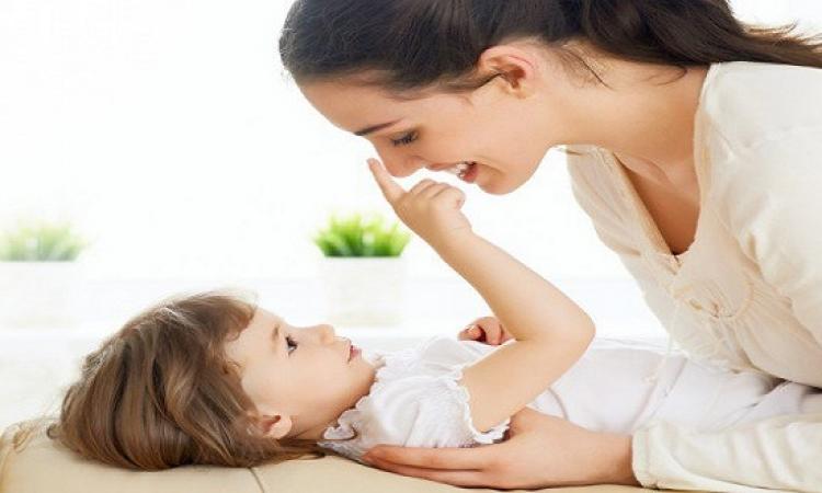 هل تعانين من تعلق طفلك الزائد بك .. جاوبى وانتى تعرفى ؟