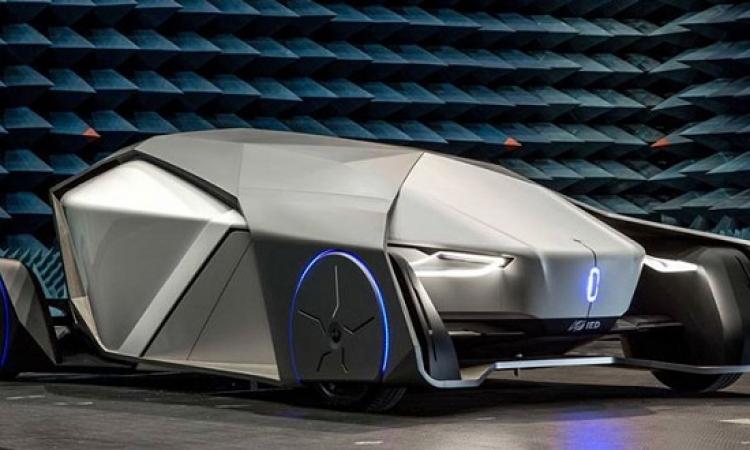 بالصور .. أحدث سيارات المستقبل Shiwa بدون عجلة قيادة ولا نوافذ
