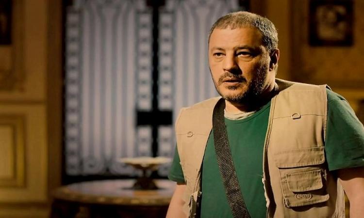 بالصور .. عمرو عبد الجليل يتصدر أفيش فص ملح وداخ