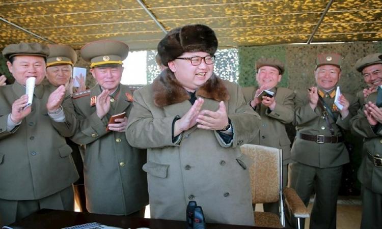 """زعيم كوريا الشمالية يشرف على تجربة """"سترعب الأعداء"""" !!"""