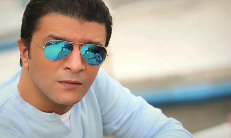 بالفيديو .. مصطفى كامل لإيمان البحر : أنا سيدك .. وورينى نفسك !!