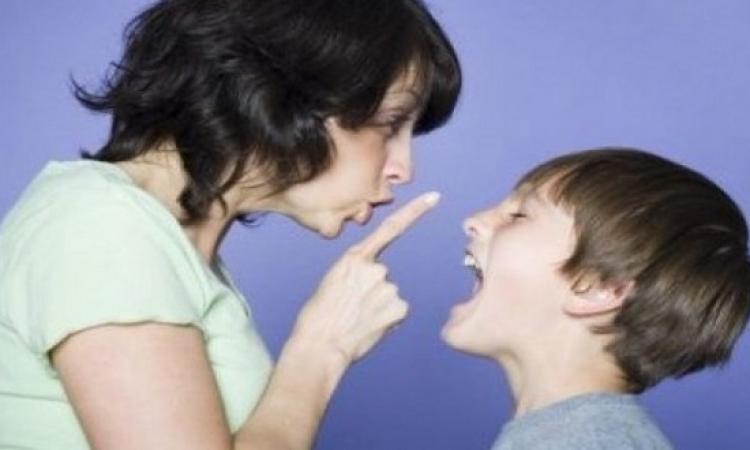 تعملى إيه لو ابنك ابتدا يعلى صوته عليكى ؟