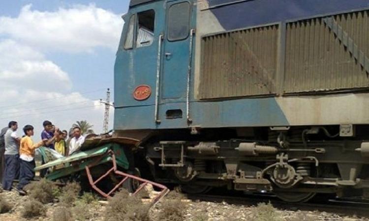 وفاة 7 أشخاص وإصابة 9 آخرين فى تصادم قطار بسيارة بأسوان