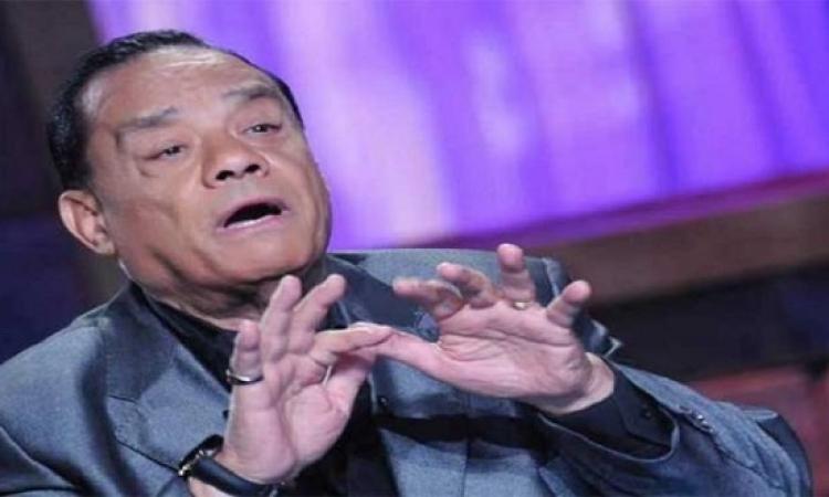 بالفيديو .. حلمى بكر : اتجوزت 10 .. ومقدرش أعيش من غير ست !!