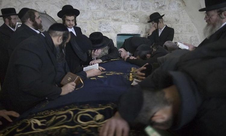 اعتقال وإصابة فلسطينيين خلال اقتحام مستوطنين قبر يوسف