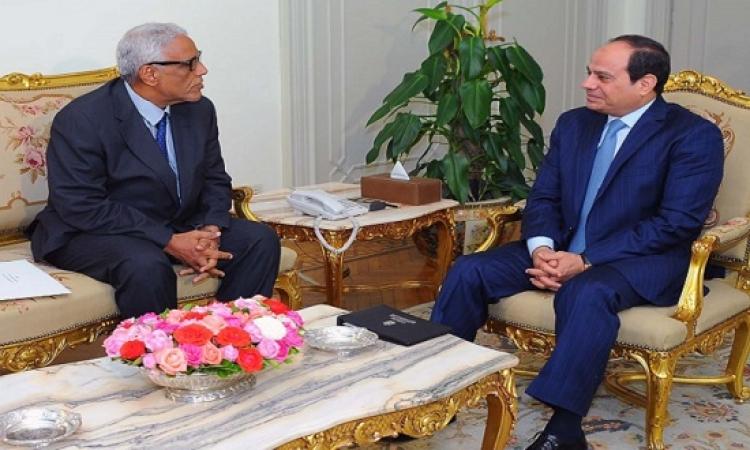 السيسى يتسلم دعوة حضور القمة العربية من مبعوث الرئيس الموريتانى