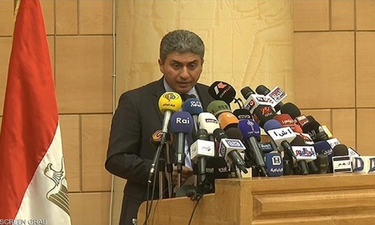 وزير الطيران : كل الاحتمالات واردة فى حادث طائرة مصر للطيران