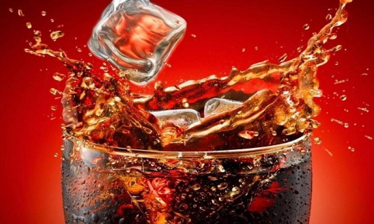ماذا يحدث خلال ساعة من شرب البيبسى والكوكاكولا ؟
