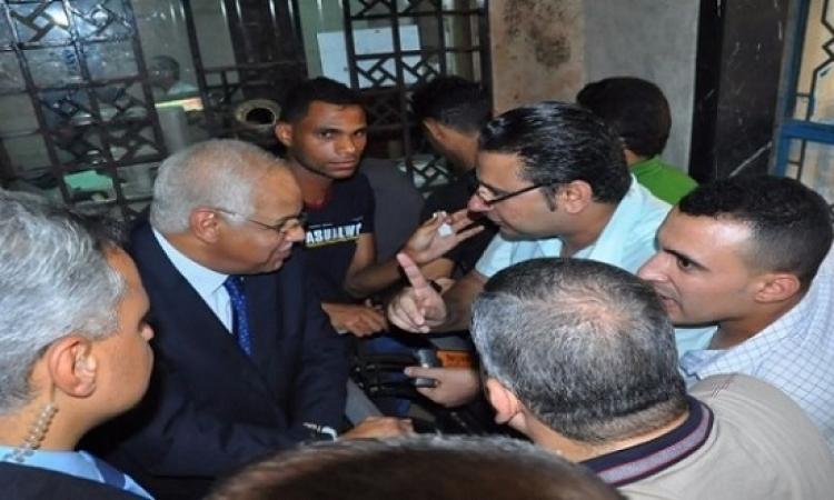 وزير النقل يتفقد حركة القطارات وبيع التذاكر بمحطة مصر