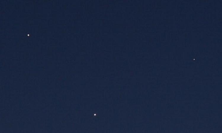 ظاهرة فريدة .. 5 كواكب مضيئة يمكنك رؤيتها بالعين المجردة