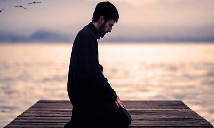 ما هو الفرق بين الدين والتدين ؟ .. إياك أن تنخدع بالمظاهر !!