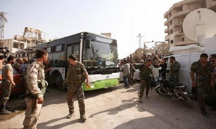 تواصل اخلاء داريا السورية من المقاتلين وعائلاتهم
