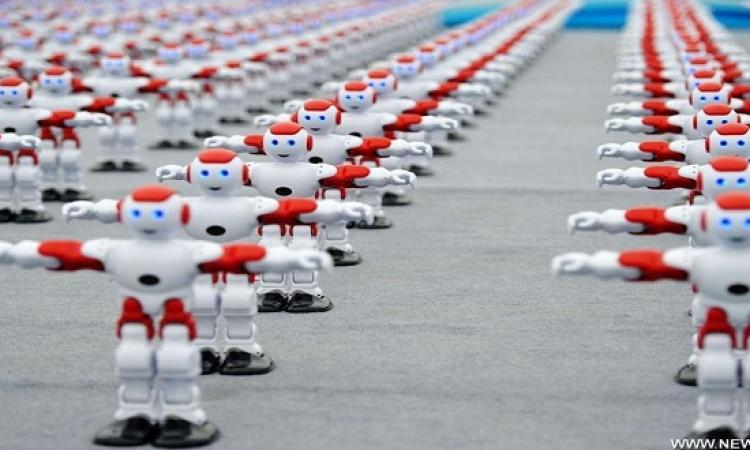 بالفيديو .. رقصة جماعية لأكثر من 1000 روبوت .. مفيش غلطة !!