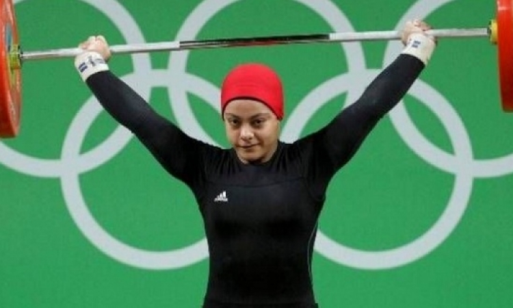 سارة سمير تهدى أول برونزية لمصر برفع الأثقال فى ريو 2016
