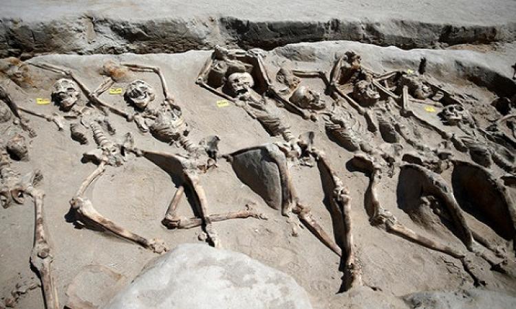 بالصور .. حل لغز مقبرة لانقلابيين قبل الميلاد !!