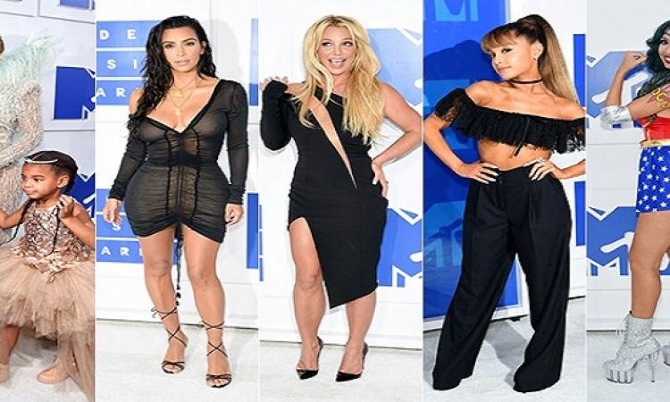 بالصور .. اطلالات مثيرة لنجمات هوليوود فى حفل MTV