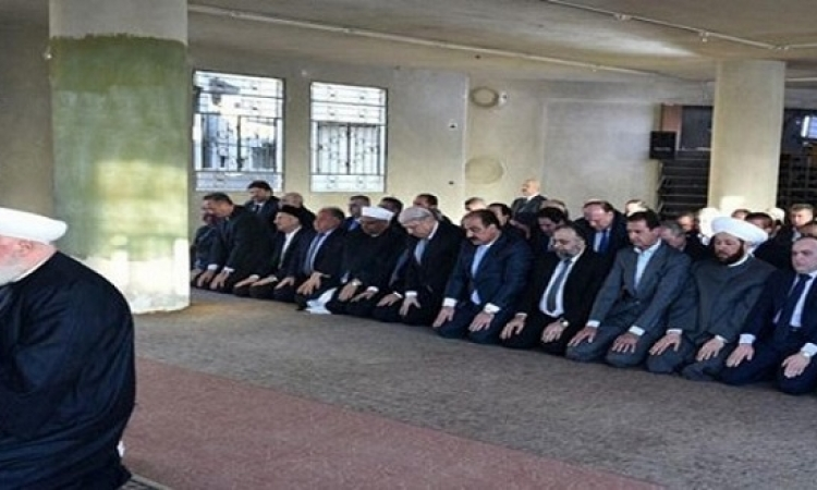 الرئيس السورى بشار الأسد يصلى العيد فى داريا