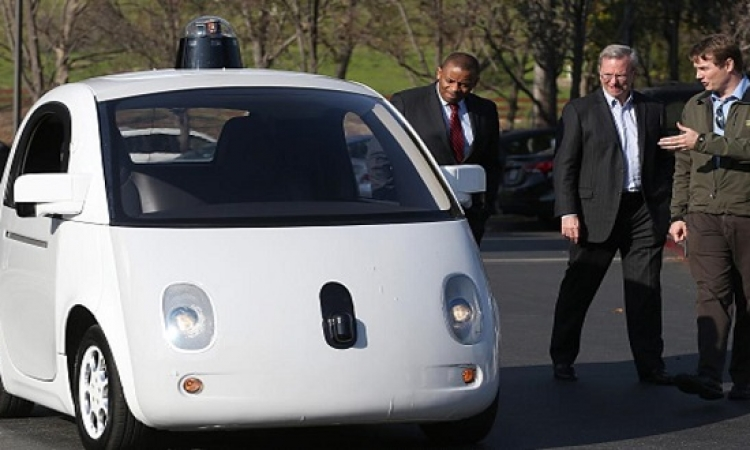 شركة أبل تبدأ اختبار أنظمة سيارتها ذاتية القيادة الجديدة