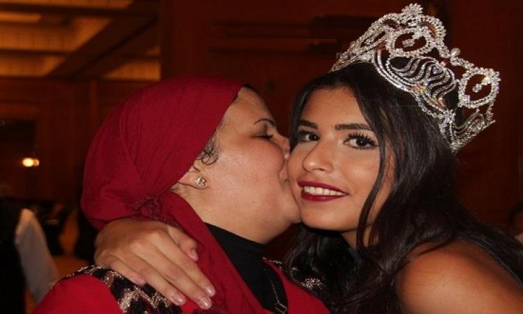 بالصور .. تتويج نادين أسامة بلقب ملكة جمال مصر لعام 2016