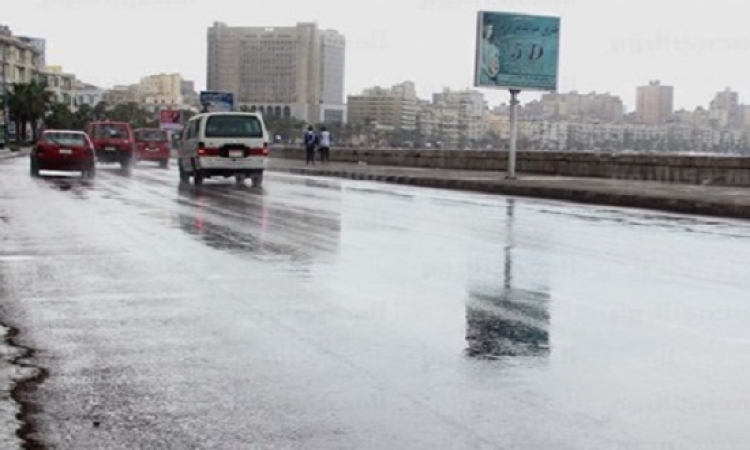 الأرصاد: انحصار الأمطار على السواحل الشمالية ونشاط الرياح يزيد الإحساس بالبرودة