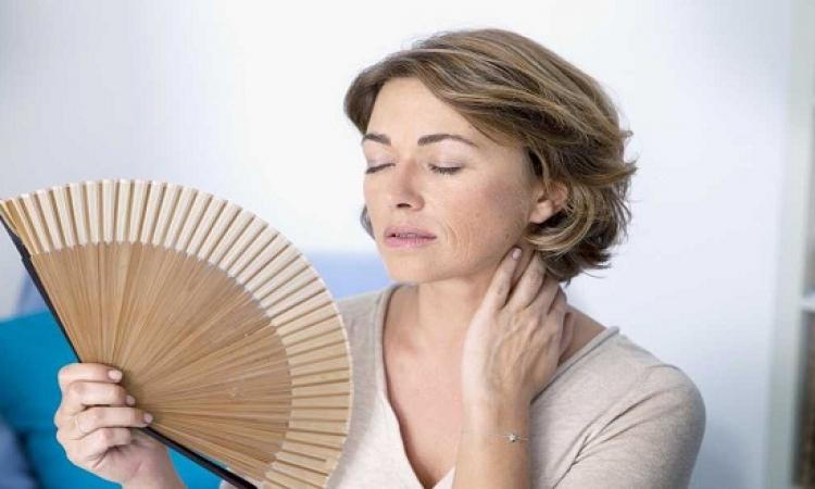 أسباب الهبّات الساخنة المزعجة بعد انقطاع الطمث