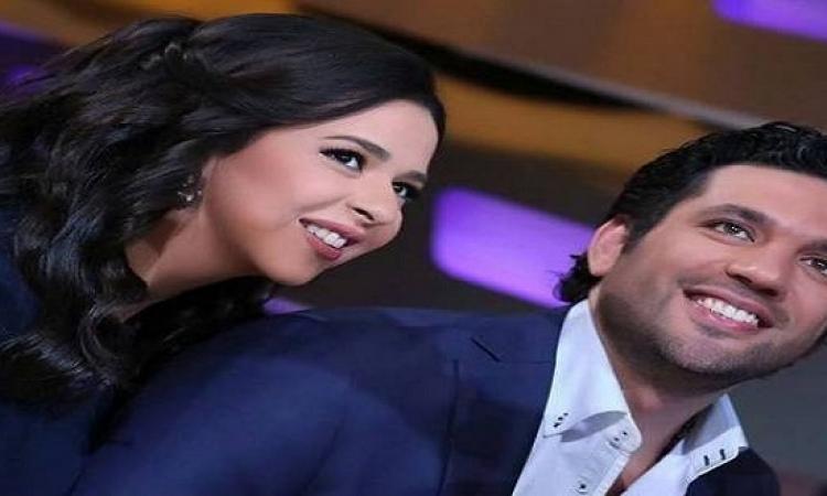 بالصور.. الرداد ينشر صورته مع زوجته إيمى سمير غانم ويعلق: حبايبى يا حلوين