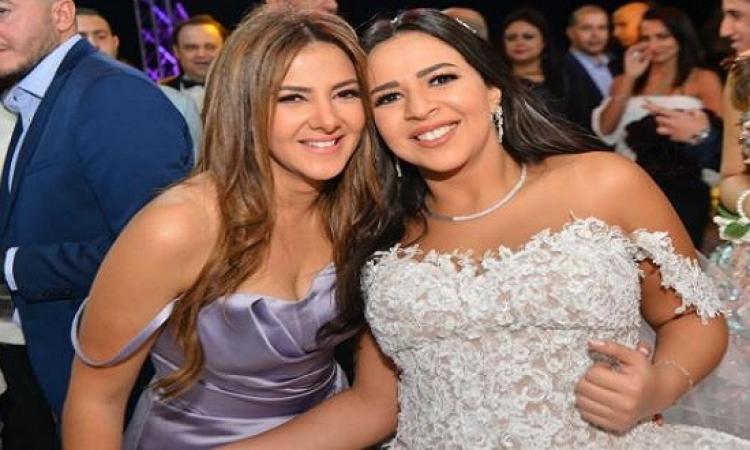 بالصور .. ابرز لقطات زفاف حسن الرداد وإيمى