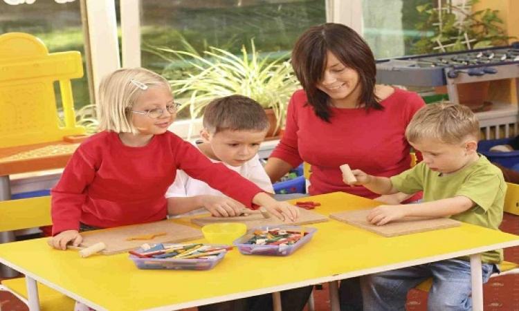 دراسة .. أطفال الأمهات العاملات أكثر مهارة من أقرانهم