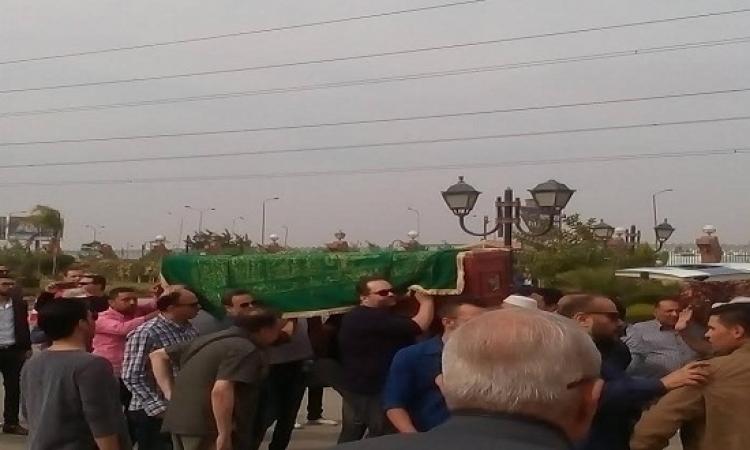 بالصور.. تشييع جنازة محمود عبد العزيز من مسجد الشرطة