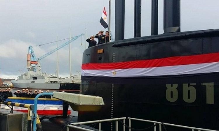 """البحرية المصرية تتسلم ثانى غواصة حديثة طراز تايب """"209"""" من ألمانيا"""