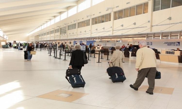 بالفيديو.. اللقطات الأولى لحادث إطلاق النار فى مطار فلوريدا