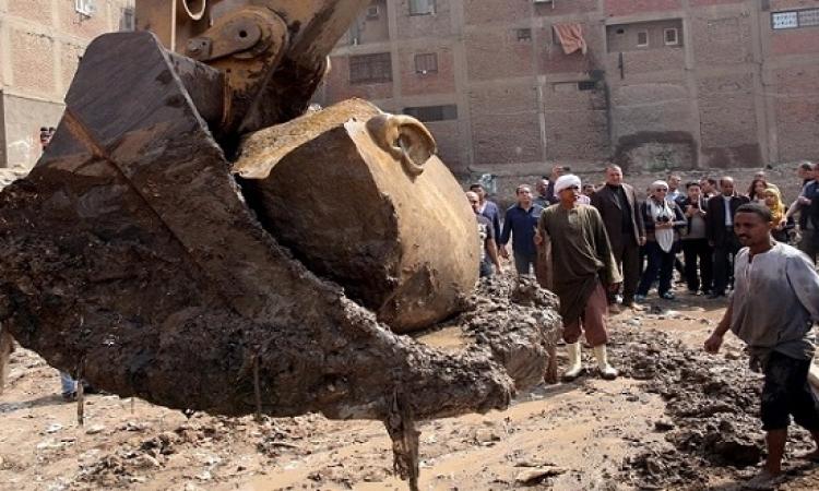 استكمال أعمال انتشال الجزء المتبقى من تمثال رمسيس الثانى