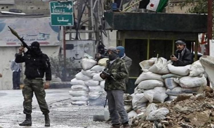 اشتباكات بين الجيش السورى والمعارضة على طريق يؤدى إلى قلب دمشق