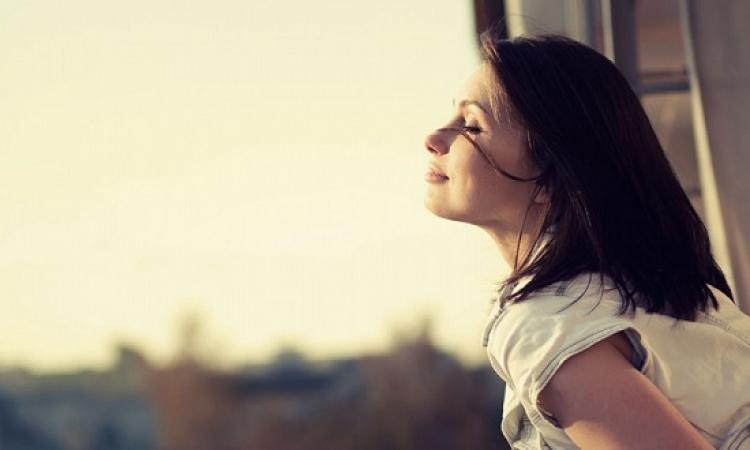 بالفيديو.. الفرق فى حياة المرأة بين العزوبية والزواج