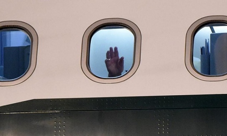 لماذا يجب إبقاء نوافذ الطائرة مفتوحة عند الإقلاع ؟