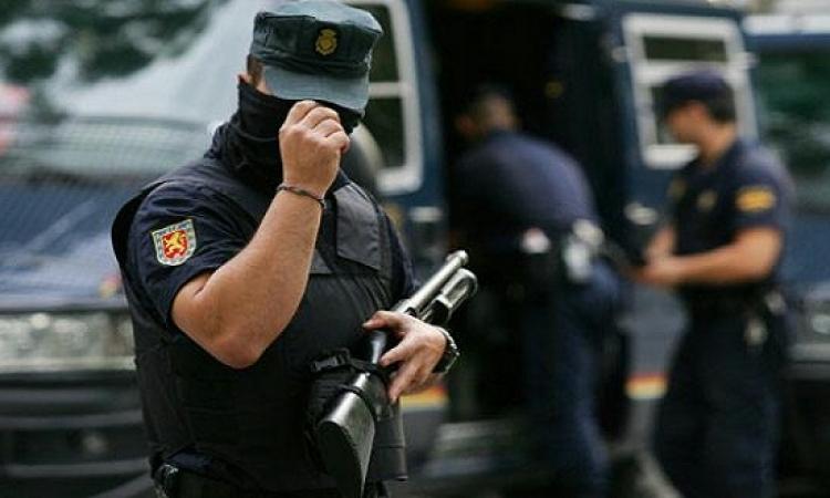 اعتقال مصرى وإسبانى يشتبه بارتباطهم بتنظيم داعش
