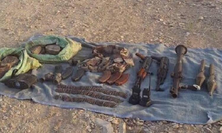 بالصور .. الجيش يقبض على 3 تكفيرين بوسط سيناء ويكتشف وكراً للذخيرة