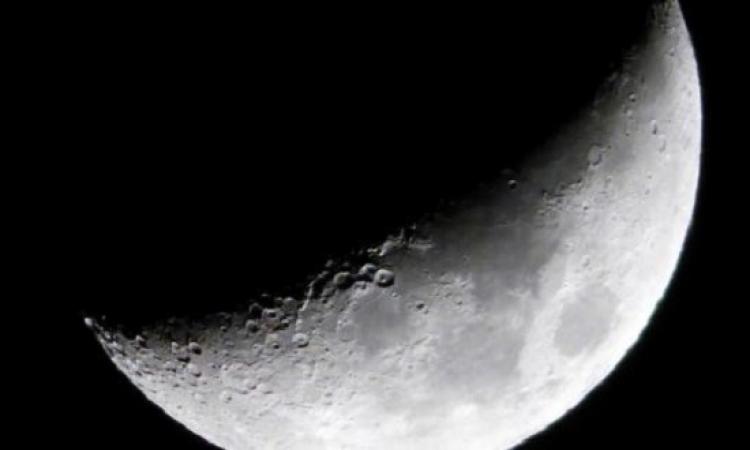 القمر يقترن بنجم قلب الأسد بسماء المنطقة العربية