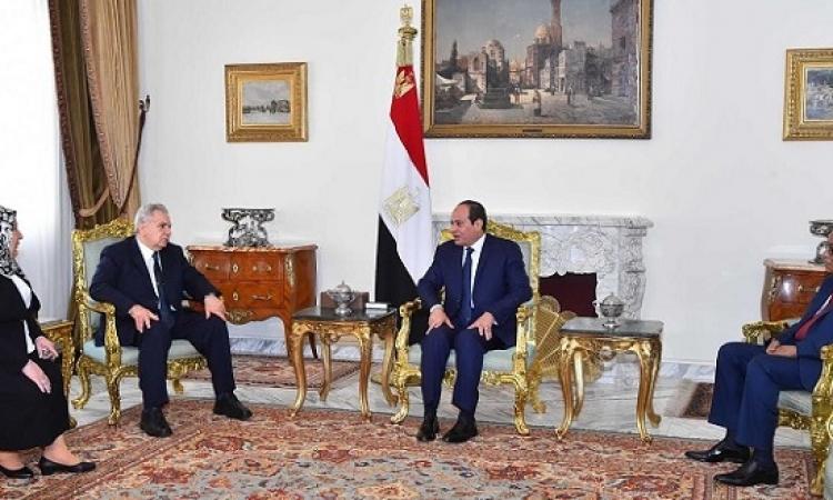 بالصور .. السيسى يكرم رؤساء الهيئات القضائية السابقين ويجتمع بالجدد