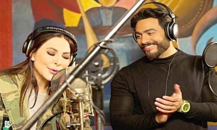 """بالفيديو..  تامر وإليسا من كواليس تسجيل أغنية """"ورا الشبابيك"""""""